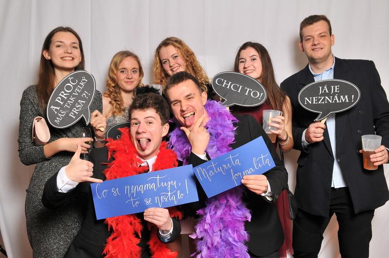 Fotokoutek na maturitní ples: zamluvte si nás již dnes!